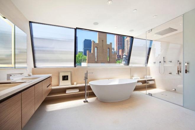 Chẳng cần biết diện tích lớn bé ra sao nhưng phòng tắm nhà ai cũng phải có món đồ này - Ảnh 14.