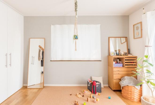Gia đình 3 người ở Nhật sống thoải mái trong căn hộ siêu nhỏ nhờ cách bài trí thông minh - Ảnh 6.