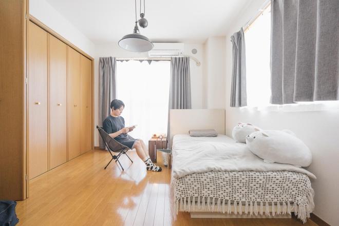 Hai chị em gái sống thoải mái trong căn hộ nhỏ xíu 25m² nhờ áp dụng nghệ thuật sắp xếp này  - Ảnh 7.