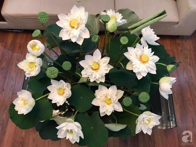 Cuối tuần cùng gặp gỡ người phụ nữ đẹp đất Cảng cắm hoa sen đẹp như tranh - Ảnh 5.