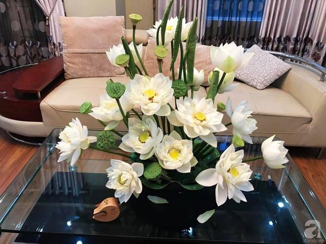 Cuối tuần cùng gặp gỡ người phụ nữ đẹp đất Cảng cắm hoa sen đẹp như tranh - Ảnh 16.