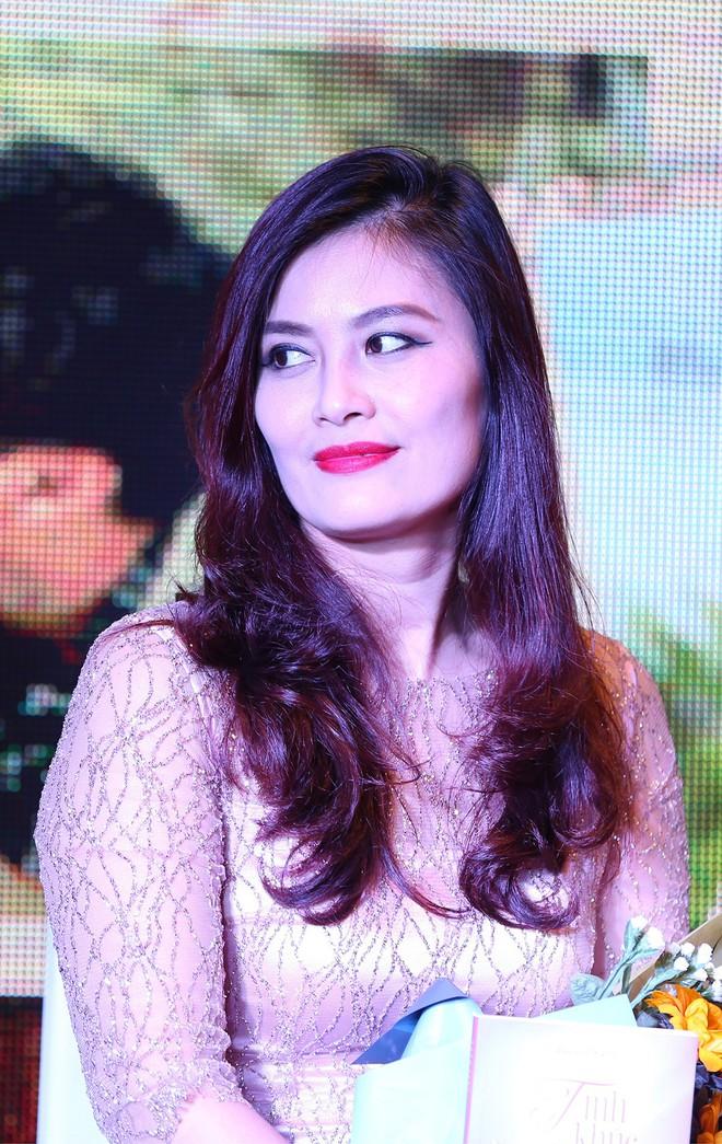 Ra mắt phim Việt với dàn sao trong mơ, tình tiết rối hơn tơ vò của đạo diễn Sống chung với mẹ chồng - Ảnh 8.