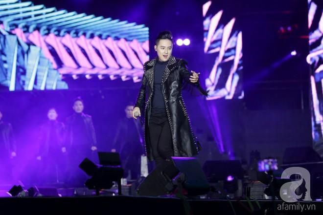 Làn Sóng Xanh kỷ niệm 20 năm bất ngờ vì vắng người xem, nghệ sĩ được trao giải cũng không đến dự - Ảnh 21.