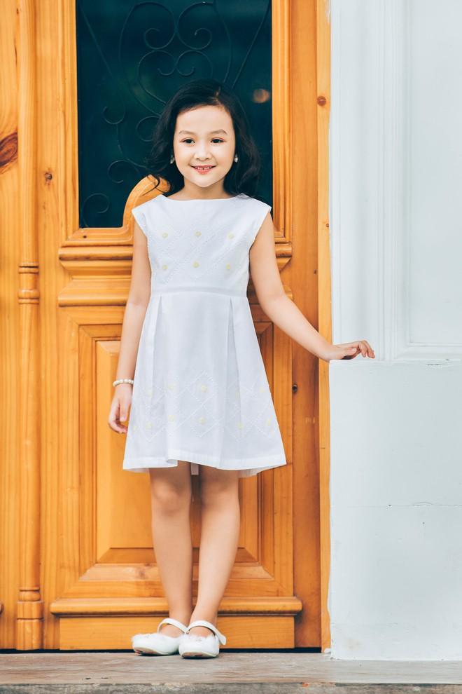 Loạt ảnh giải mã độ đáng yêu của mẫu nhí được ví là bản sao của Angela Phương Trinh - Ảnh 16.