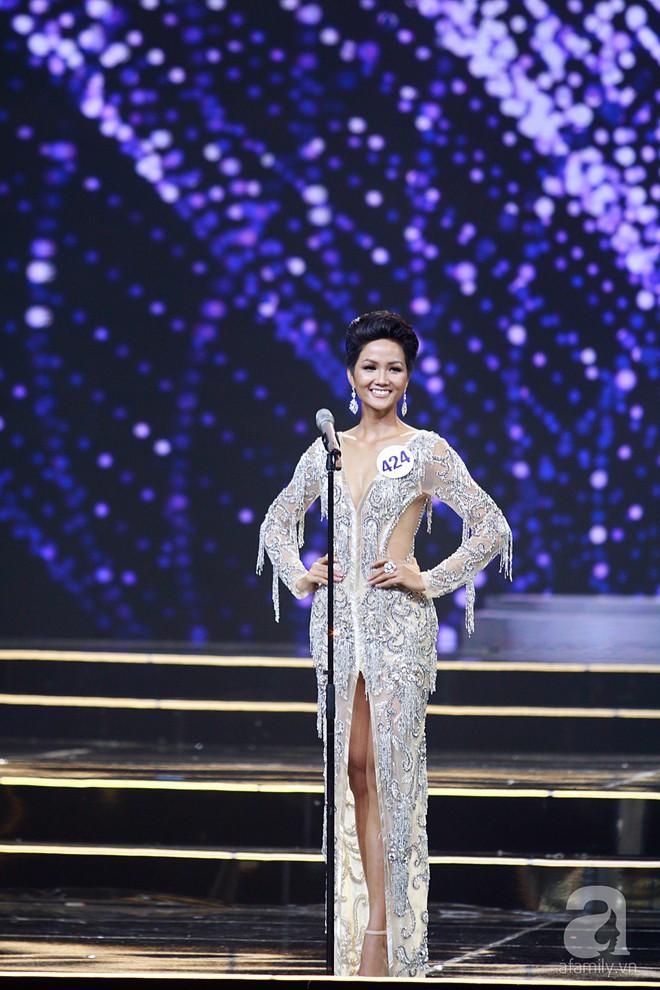 HHen Niê vượt mặt Hoàng Thùy, giành ngôi Hoa hậu Hoàn vũ Việt Nam 2017 - Ảnh 48.
