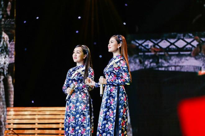 Cặp đôi quán quân Đức Phúc - Thiện Nhân lần đầu kết hợp trên sân khấu bolero khiến nhiều người bàng hoàng - Ảnh 8.