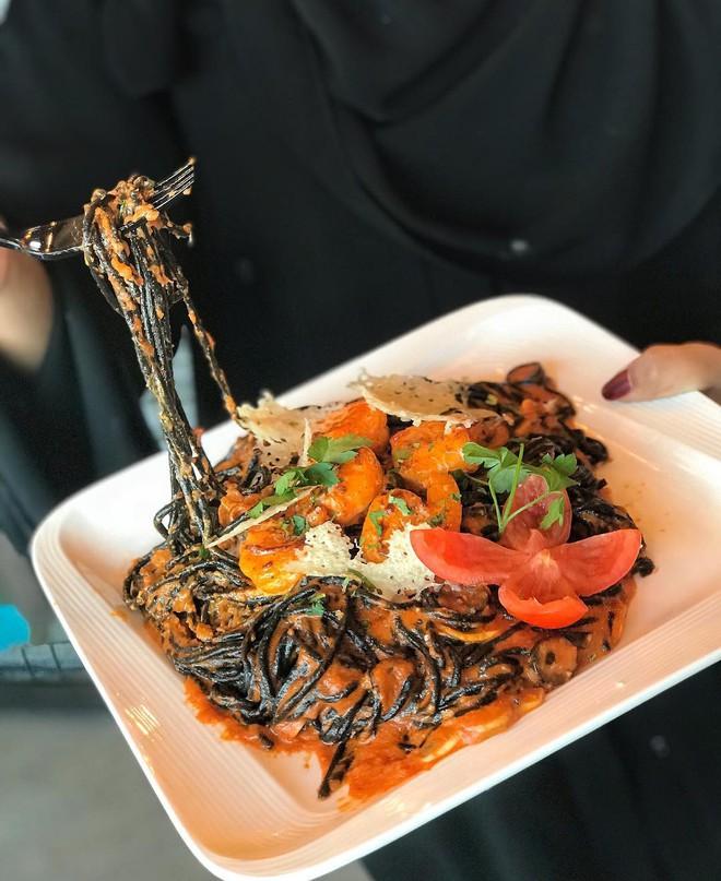 Check list loạt món ăn đen sì toàn than, nhìn tưởng không ngon mà ăn ngon không tưởng - ảnh 3