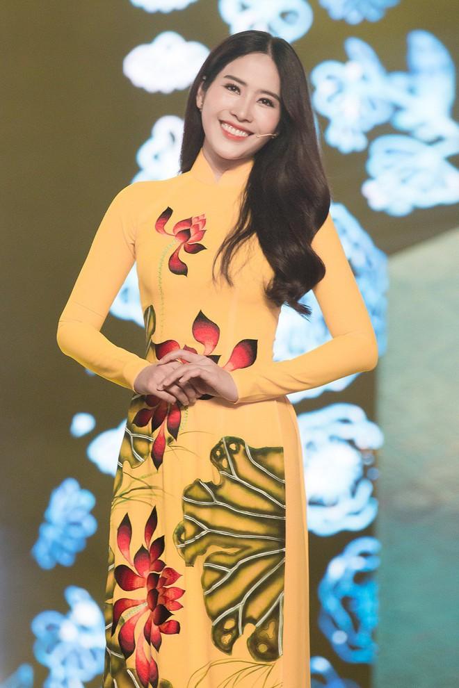 Hà Thu - Nam Em diện áo dài rực rỡ, khoe giọng ngọt ngào khi hát Bolero - Ảnh 5.