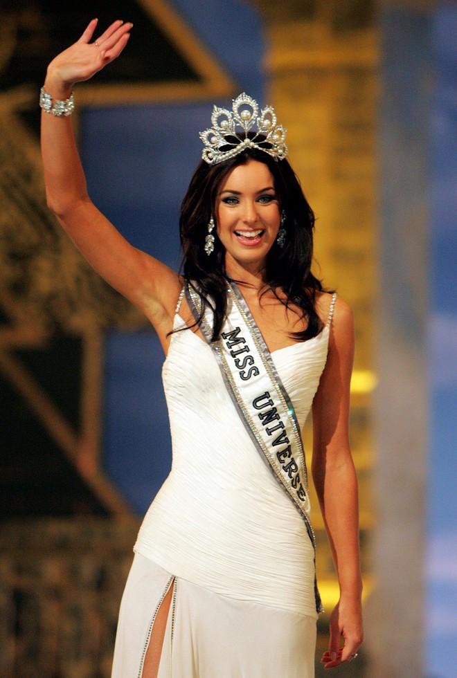 Miss Universe 2005 chấm kỹ sư môi trường lọt Top 3 Hoa hậu Hoàn vũ Việt Nam - Ảnh 2.