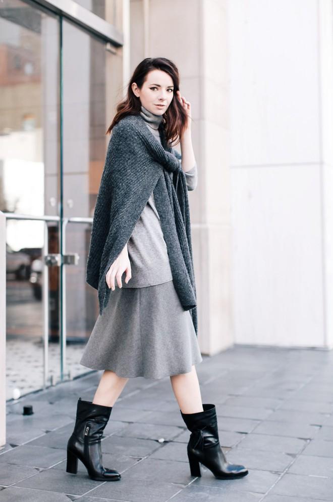 Vừa ấm áp lại vừa trendy với trào lưu biến áo len thành khăn quàng - Ảnh 6.