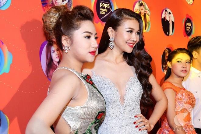 Mẹ chồng Thanh Hằng xuất hiện lộng lẫy, đẹp hết phần người khác - Ảnh 2.