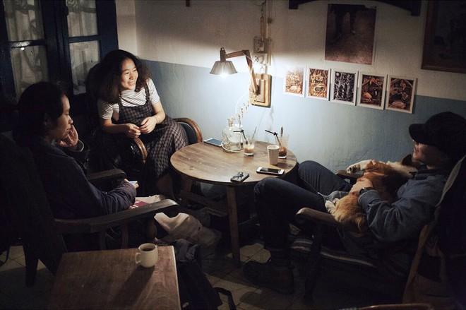 Tránh rét trong những ngày Hà Nội lạnh chết đi được ở 4 quán cafe rất xinh - Ảnh 1.