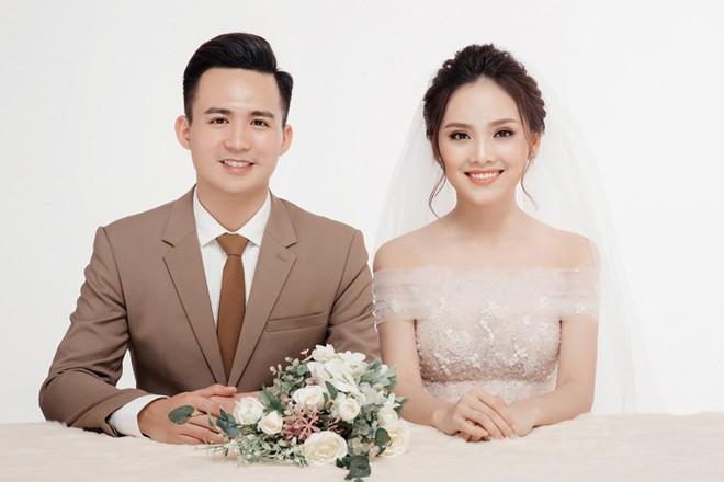 Cặp đôi Việt chuẩn ngôn tình vì trai đẹp, gái xinh lại còn tôn sùng nhau hết mức - Ảnh 3.
