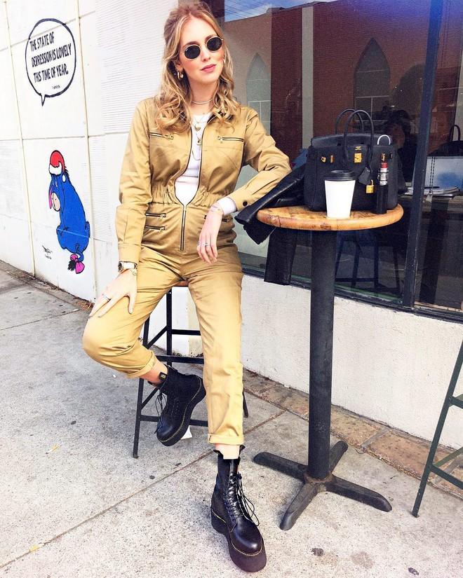 Không hổ danh là fashionista đình đám, Chiara Ferragni vẫn mặc chất lừ ngay cả khi đang bầu bí - Ảnh 2.
