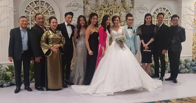 Đám cưới em gái Trấn Thành cùng bạn trai Hongkong gây chú ý với dàn khách mời toàn sao - Ảnh 1.
