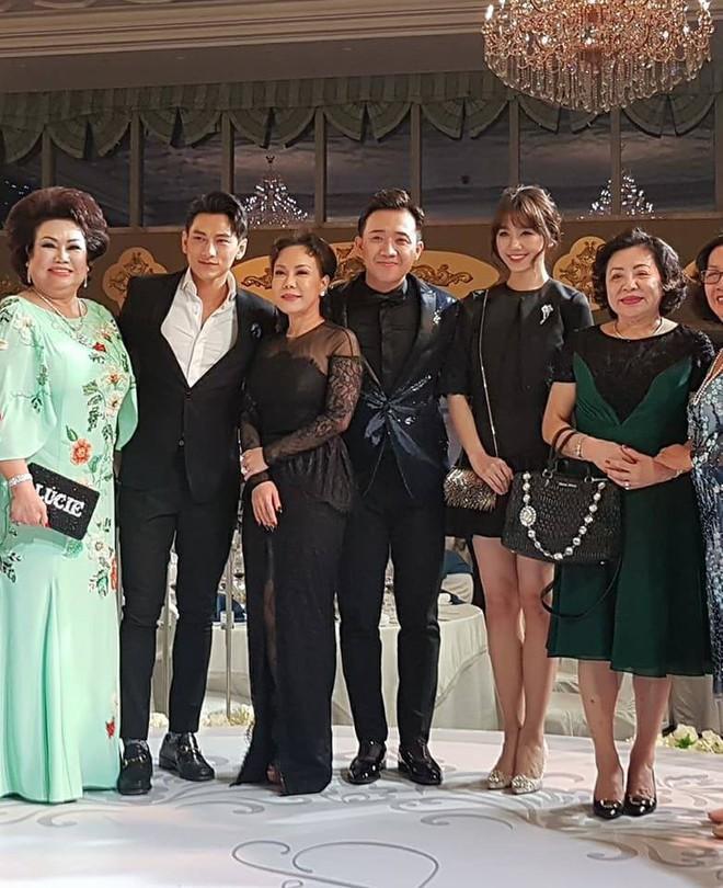 Đám cưới em gái Trấn Thành cùng bạn trai Hongkong gây chú ý với dàn khách mời toàn sao - Ảnh 2.