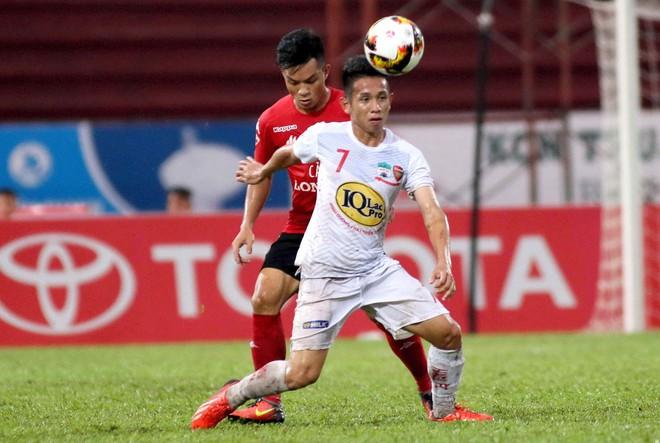 Ít ai ngờ người hùng Nguyễn Phong Hồng Duy của U23 Việt Nam cũng thích đắp mặt nạ giấy - Ảnh 1.