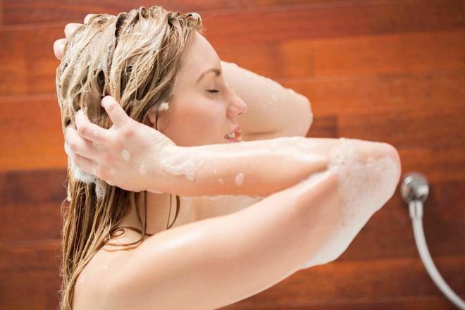 Những nguyên tắc cần làm đúng khi tắm để không gây hại cho cơ thể mỗi ngày - Ảnh 3.