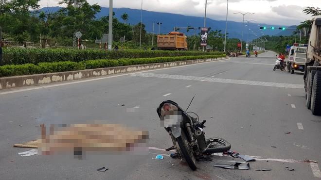 Đà Nẵng: Xe tải va chạm với xe máy, nữ sinh đại học sinh năm 1996 tử vong thương tâm - Ảnh 3.