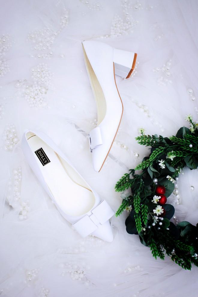 Những mẫu giày trắng chỉ cần ngắm thôi đã thấy yêu rồi