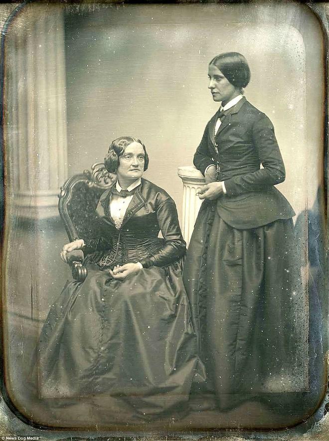 Chuyện kể qua ảnh: những chuyện tình đồng tính nữ phi thường vào thế kỷ 19 - 20 - Ảnh 3.