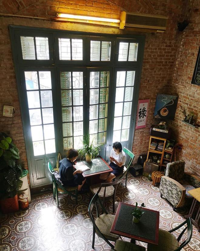 Tránh rét trong những ngày Hà Nội lạnh chết đi được ở 4 quán cafe rất xinh - Ảnh 28.