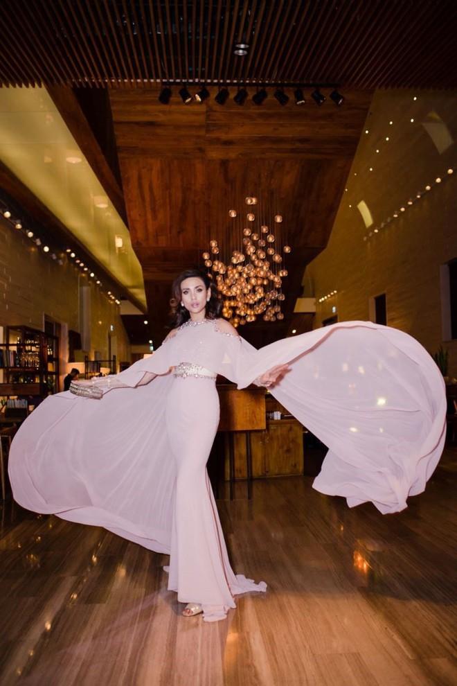 Cùng 1 chiếc đầm: Võ Hoàng Yến và Hương Giang chọn cách mặc kín đáo hơn hẳn Giáng My - Ảnh 4.