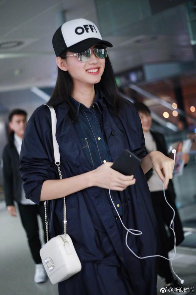 Hoa hậu Thế giới kiêm mẹ bỉm sữa Trương Tử Lâm khoe nhan sắc rạng rỡ ở tuổi 33 - Ảnh 5.