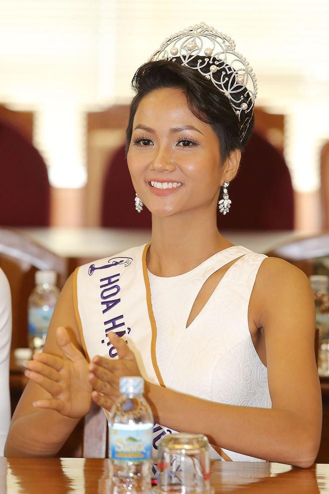 Thật may: Kể từ khi đăng quang đến nay, Hoa hậu HHen Niê chưa lần nào mặc lỗi! - Ảnh 5.