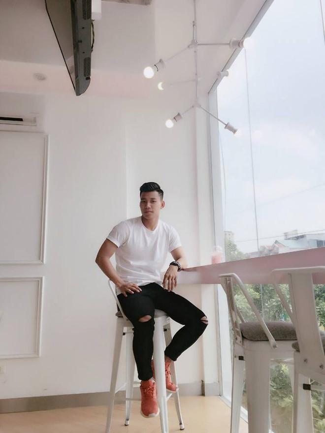 Điển trai lại còn chung thủy, Vũ Văn Thanh tuyển U23 đi đâu cũng chỉ diện 3 đôi giày này - Ảnh 5.