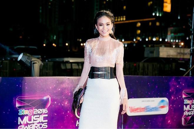 Mâu Thủy thay đổi ngoạn mục, ngày càng đẹp và sang nhờ phong cách đúng chuẩn Hoa hậu - Ảnh 6.