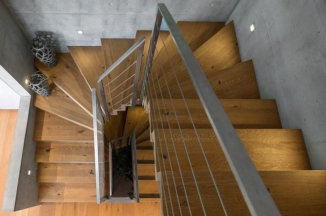 Tiện nghi khó tin bên trong căn nhà có vẻ ngoài đơn sơ - Ảnh 8.