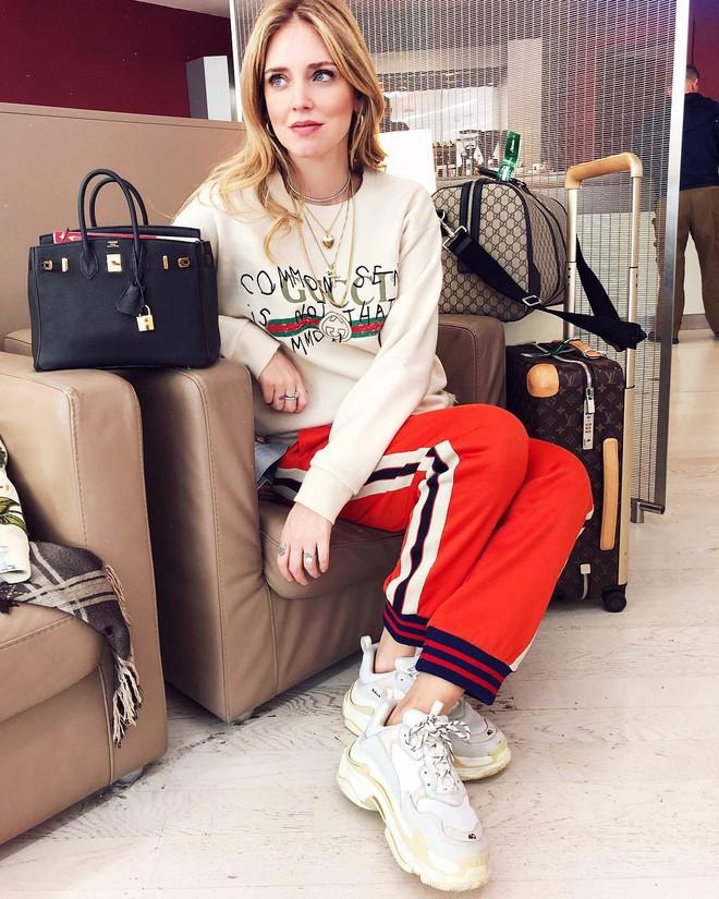 Không hổ danh là fashionista đình đám, Chiara Ferragni vẫn mặc chất lừ ngay cả khi đang bầu bí - Ảnh 9.