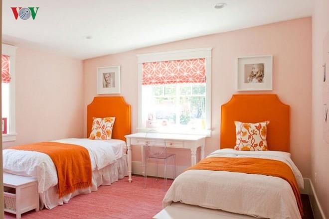 Không gian sống hiện đại với nội thất màu cam - Ảnh 10.