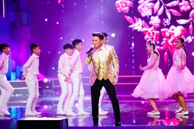 Hà Thu - Nam Em diện áo dài rực rỡ, khoe giọng ngọt ngào khi hát Bolero - Ảnh 13.