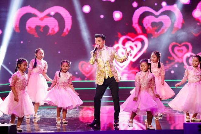 Hà Thu - Nam Em diện áo dài rực rỡ, khoe giọng ngọt ngào khi hát Bolero - Ảnh 14.