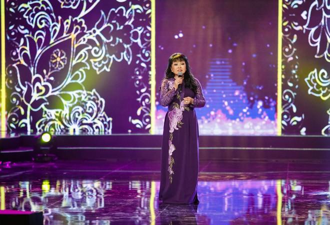 Hà Thu - Nam Em diện áo dài rực rỡ, khoe giọng ngọt ngào khi hát Bolero - Ảnh 15.