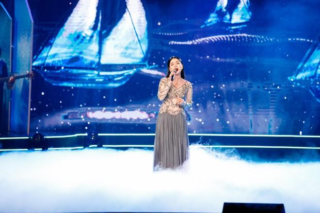 Hà Thu - Nam Em diện áo dài rực rỡ, khoe giọng ngọt ngào khi hát Bolero - Ảnh 7.