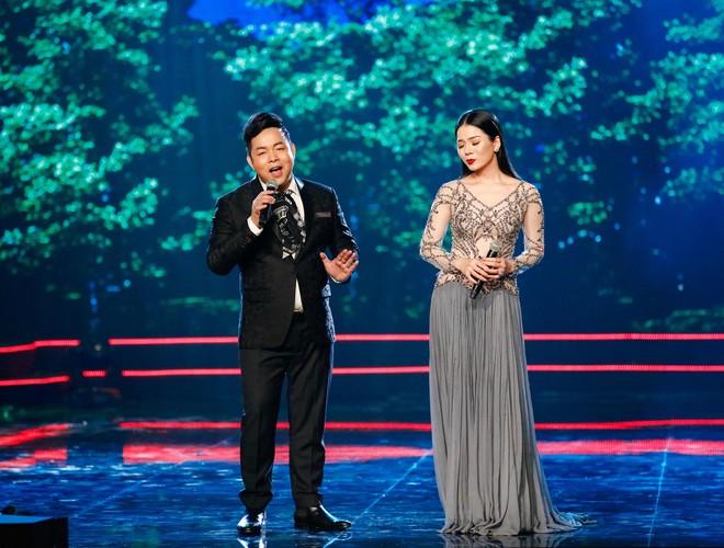 Hà Thu - Nam Em diện áo dài rực rỡ, khoe giọng ngọt ngào khi hát Bolero - Ảnh 9.