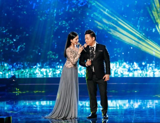 Hà Thu - Nam Em diện áo dài rực rỡ, khoe giọng ngọt ngào khi hát Bolero - Ảnh 8.