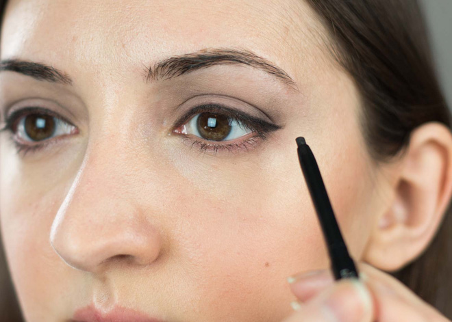 7 cây bút kẻ mắt giá chưa đến 200 nghìn mà vẫn giúp bạn có được đường eyeliner sắc sảo - Ảnh 17.