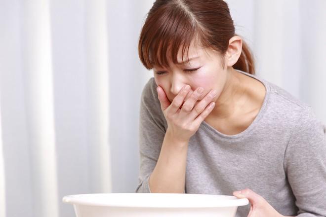Những vấn đề về tiểu tiện này có thể là dấu hiệu của bệnh sỏi thận nhưng bạn không hề hay biết - Ảnh 3.