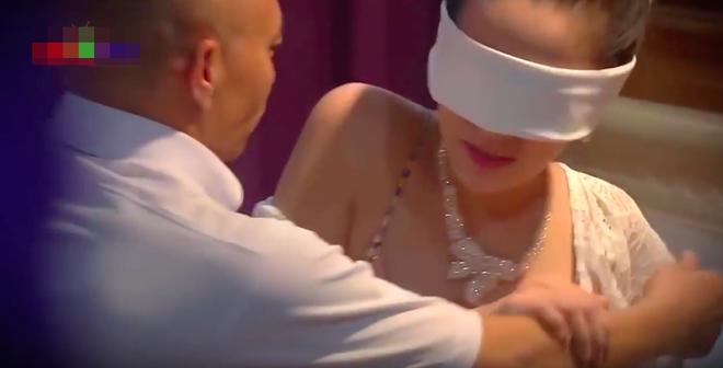 Sốc với cảnh nóng phản cảm trong phim hài Tết của Quang Tèo, Chiến Thắng - Ảnh 4.