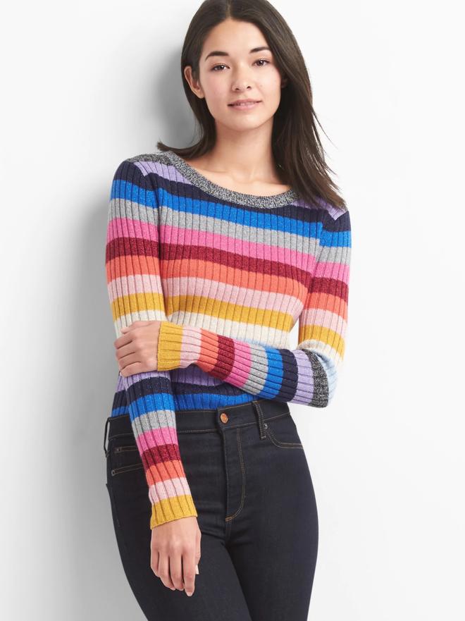 Khắp các thương hiệu thời trang, từ bình dân đến cao cấp đều đăng lăng xê kiểu áo len màu sắc này  - Ảnh 13.