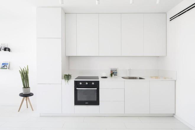 Căn hộ nhỏ hẹp 42m² nhìn rộng thênh thang nhờ sử dụng gam màu trắng tinh khôi - Ảnh 4.