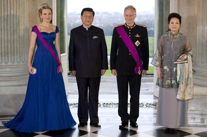 Phong cách thời trang của Phu nhân Trung Hoa cũng tinh tế, thanh lịch chẳng kém bất kỳ nhân vật Hoàng gia nào - Ảnh 19.