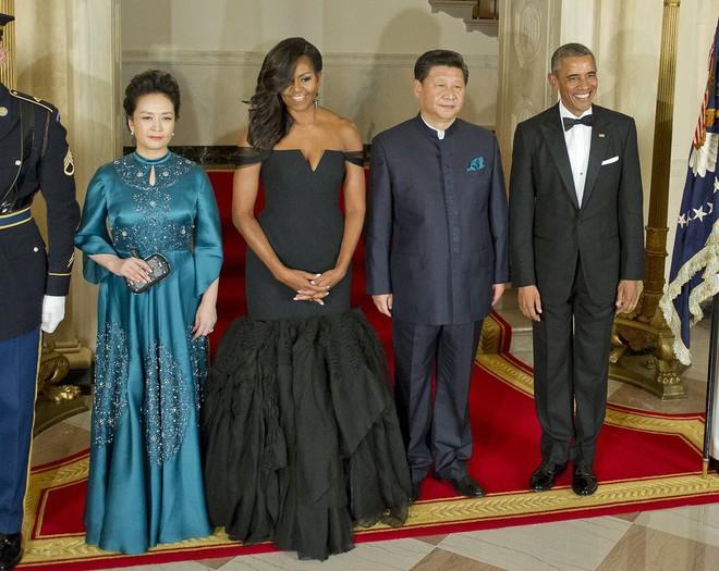 Phong cách thời trang của Phu nhân Trung Hoa cũng tinh tế, thanh lịch chẳng kém bất kỳ nhân vật Hoàng gia nào - Ảnh 26.