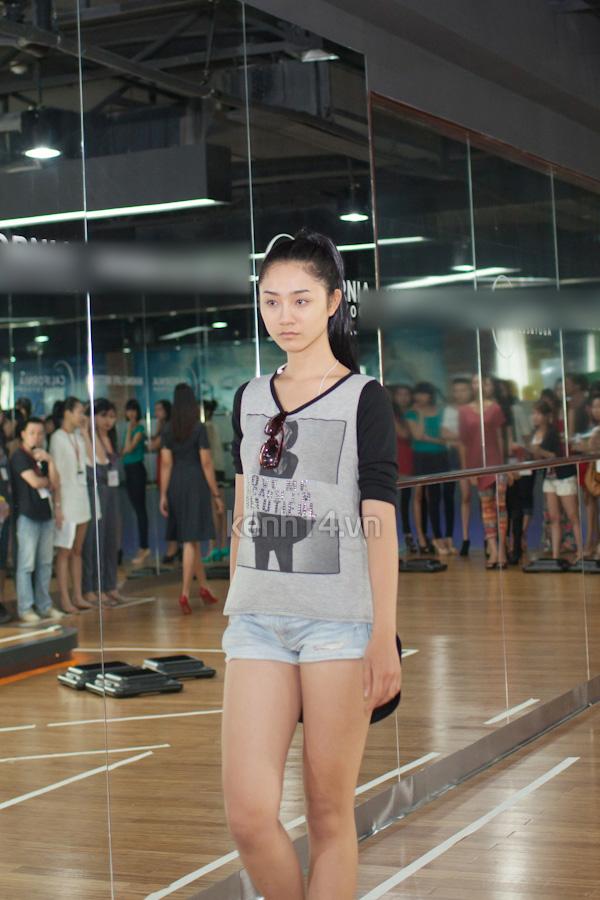 Rò rỉ hình tập dượt Elle Fashion Show Thu/Đông 2012