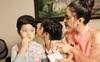 Con gái Xuân Lan quấn quít bên mẹ con Trương Quỳnh Anh