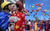 Ngắm vẻ rạng rỡ của 100 cặp uyên ương trong lễ cưới tập thể Sài Gòn đúng dịp Quốc Khánh